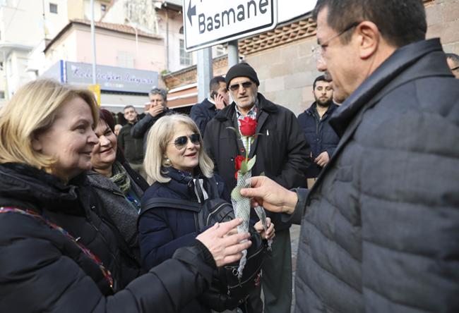 """""""10 Numara"""" projeler İzmir'e iş-aş sağlayacak"""